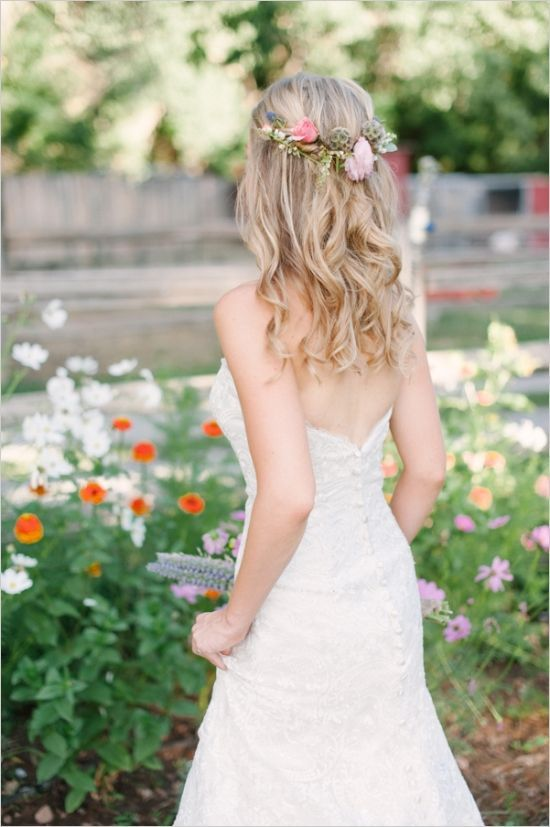 Wedding Hair Styles Simple And Pretty Light Curls With Flowers