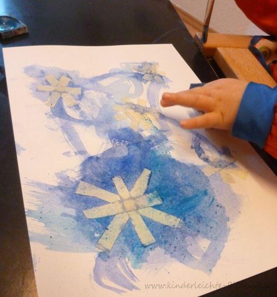 Alter: ab 1,5 Jahren Besonders gefördert: Feinmotorik Heute haben wir Schneeflocken und Schneemänner gemalt. Für die Schneeflocken ... #laternekleinkind