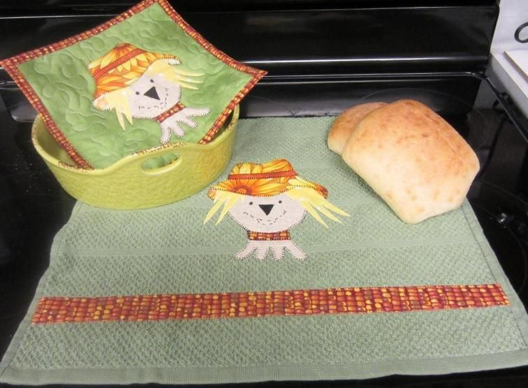 Free Sewing Pattern: Scarecrow Kitchen Towel and Potholder | Free ...