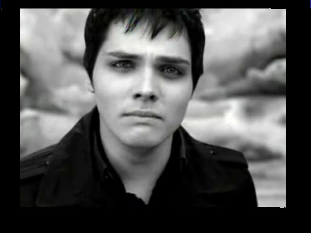 Gerard in the MCR video I Don't Love You