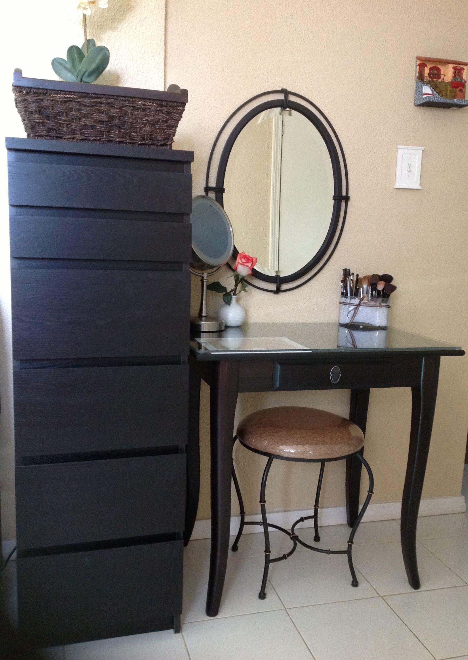 Makeup Dresser A Make Up Organizer And Vanity Thats Not A Makeup Organizer
