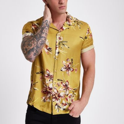 2c27b9e157a Satin fabric Floral print Short sleeve Revere collar Button-up front Our  model wears a UK M and is 185.5cm 6 1   tall