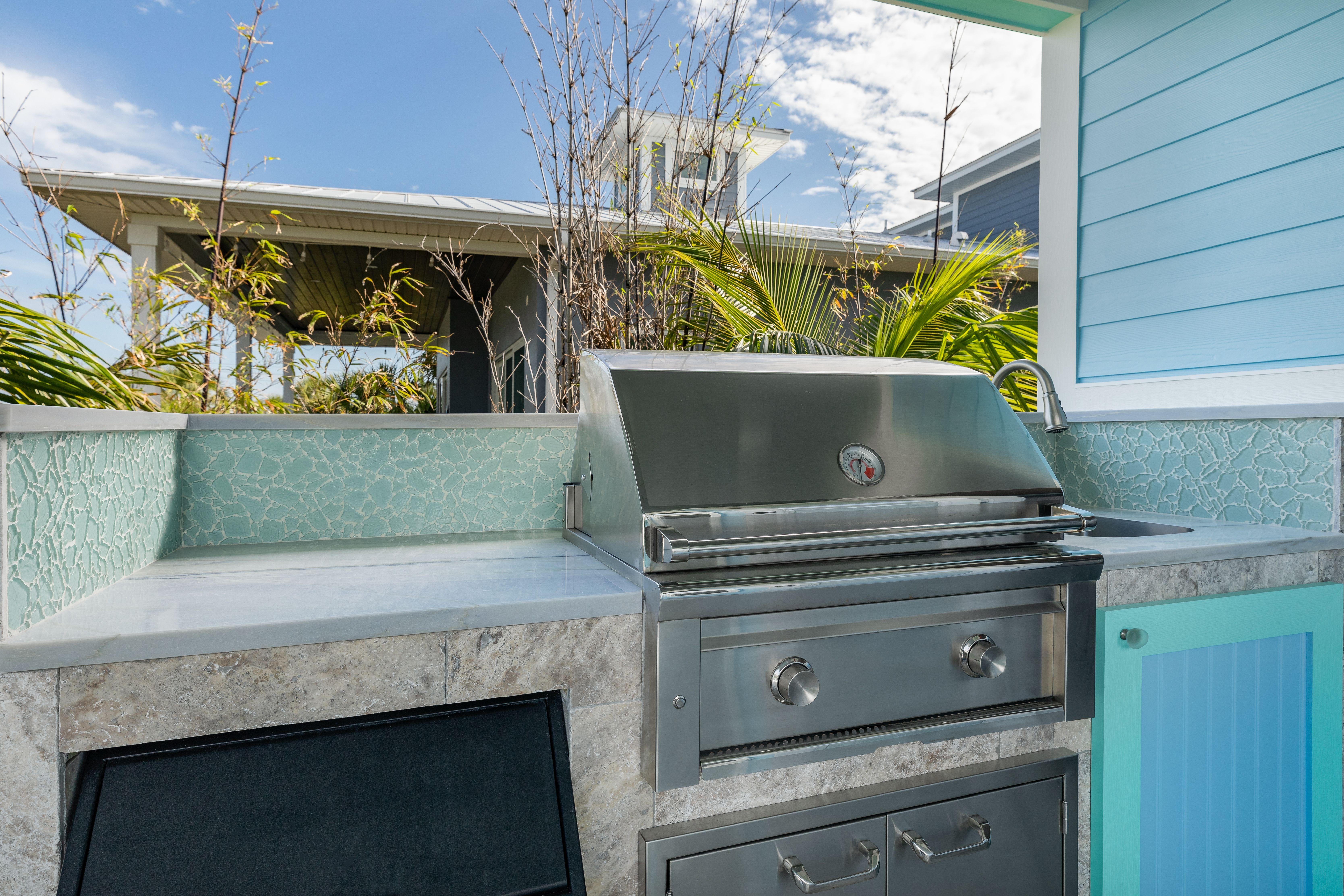 River Puzzle Installs Outdoor Kitchen Installation Outdoor