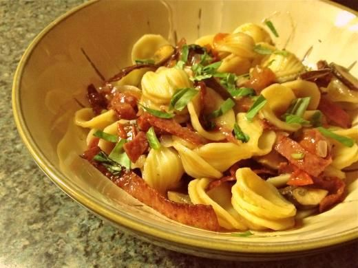 Salame e Funghi Fresh Tomato Orecchiette