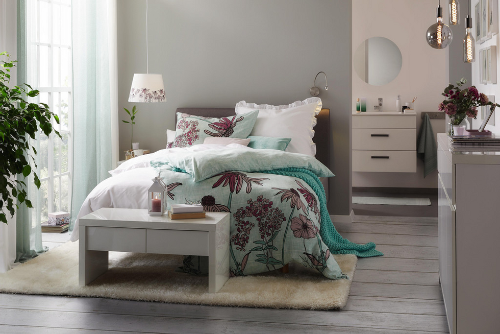 Violet Dreams mömax in 2020   Feine möbel, Möbeldesign ...