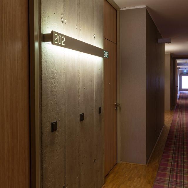 Hotel corridor design ideas google search e levator for Hotel corridor decor
