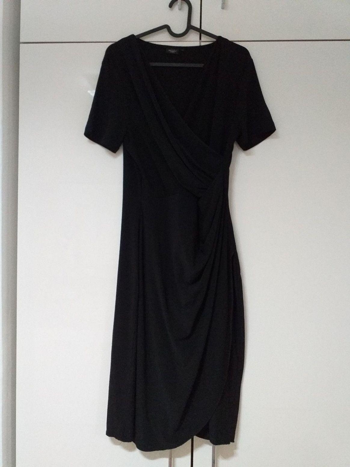 18 Schwarzes Kleid Knielang in 18  Schwarzes kleid knielang