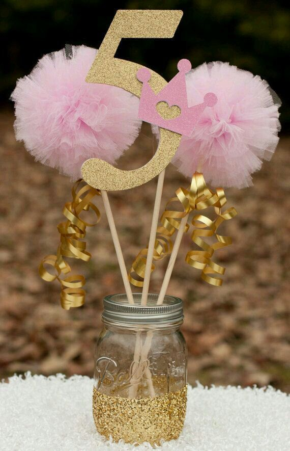 Pompom crepom mesa st birthday party ideas for girls simple decorations th also festa pinterest and rh za