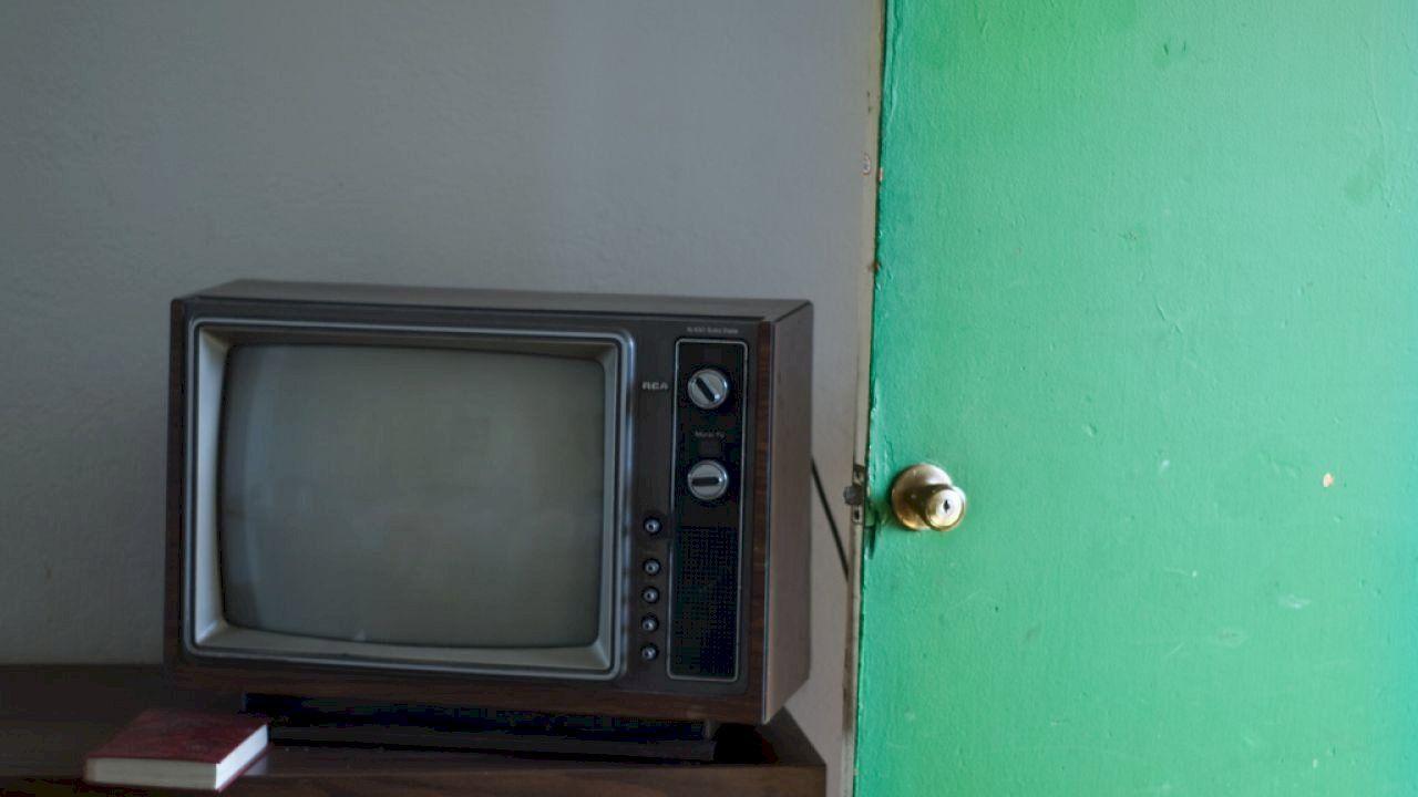 من هو مخترع التلفاز Box Tv Television Electronic Products