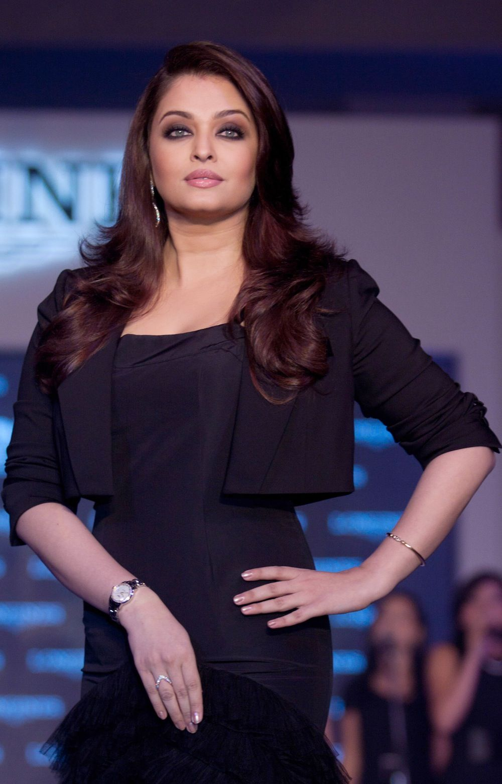 Lovely Aishwarya Rai Aishwarya Rai Photo Aishwarya Rai Bachchan Beautiful Bollywood Actress