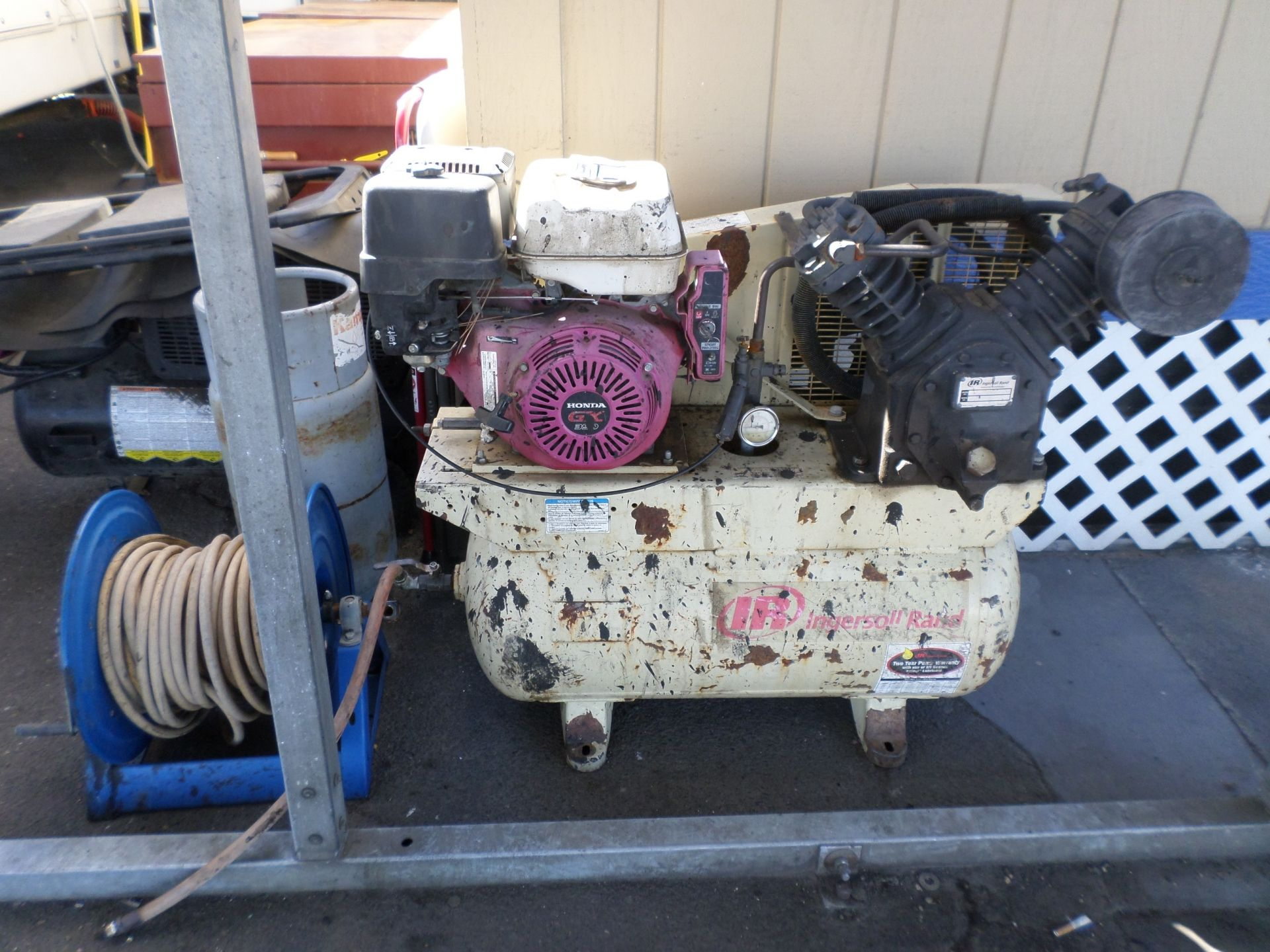 2000 Ingersoll Rand 13HP Air Compressor with Alternator