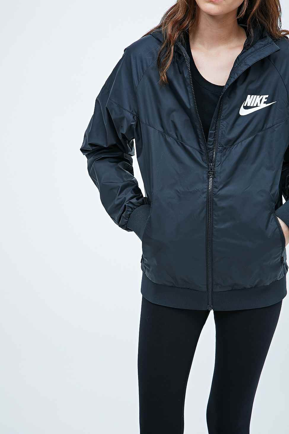 f9eb5b8e14 Nike - Coupe-vent noir - Urban Outfitters