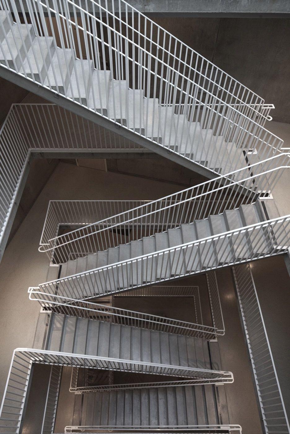 rectangular stairway in an apartment building v stra kajen 1 built by tham and videgard arkiteker in j nk ping sweden photo by ke e son lindman  [ 936 x 1401 Pixel ]