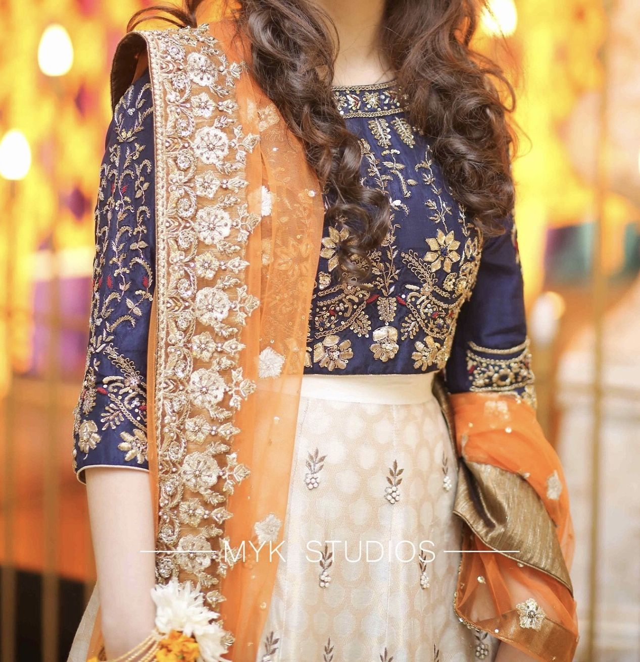 Grooms Sister At The Mehndi In 2020 Bridal Dresses Pakistan Fancy Dress Design Party Wear Indian Dresses