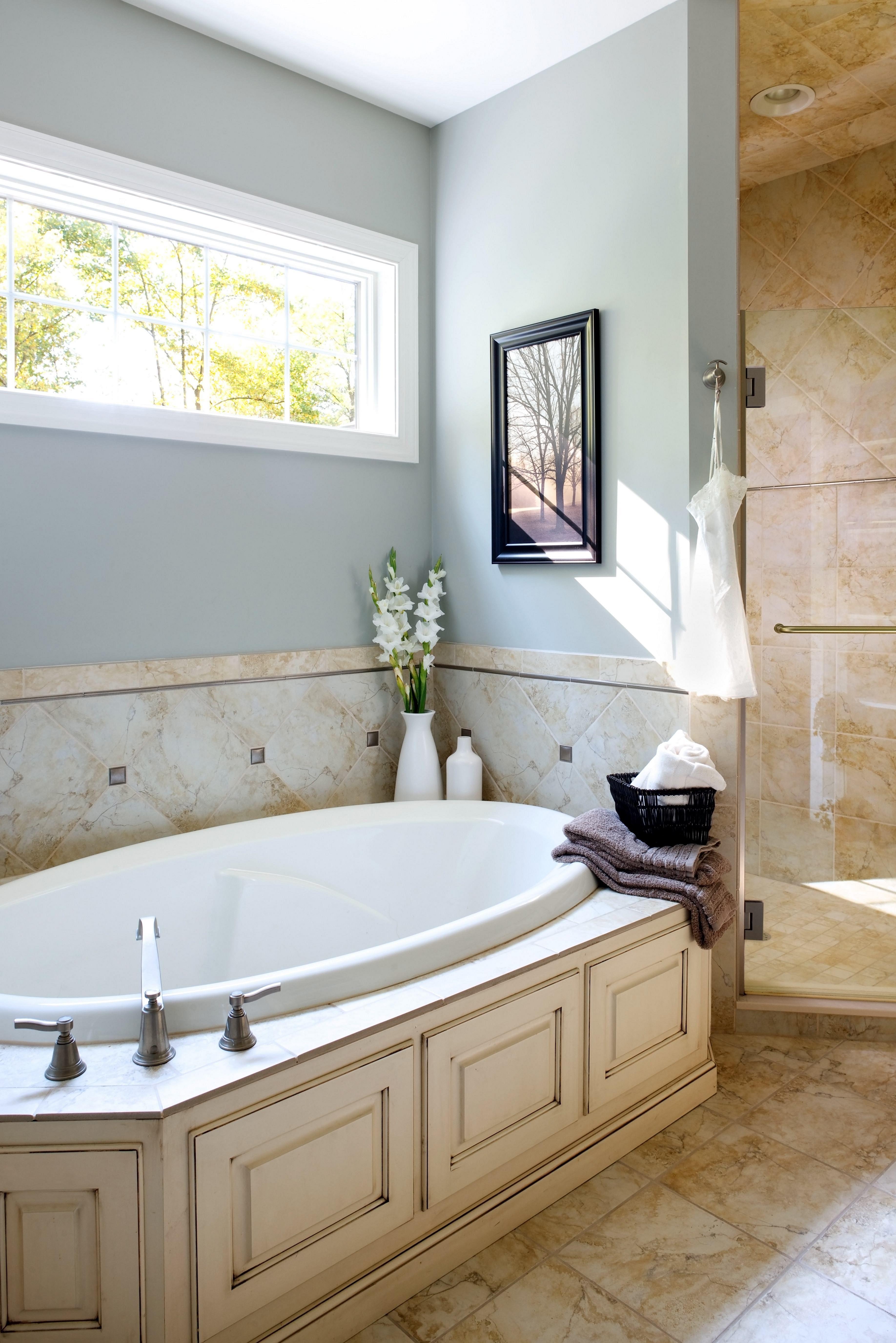 The Best 8 Bathroom Ventilation Design For Your Bathroom At Home Https Decoor Net 8 Bathroom Ven Ventilation Design Bathroom Ventilation Traditional Bathroom