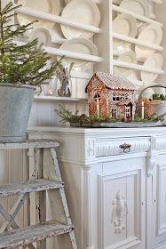 English Cottage Gingerbread House -  VIBEKE DESIGN: Ekte pepperkakeglede!