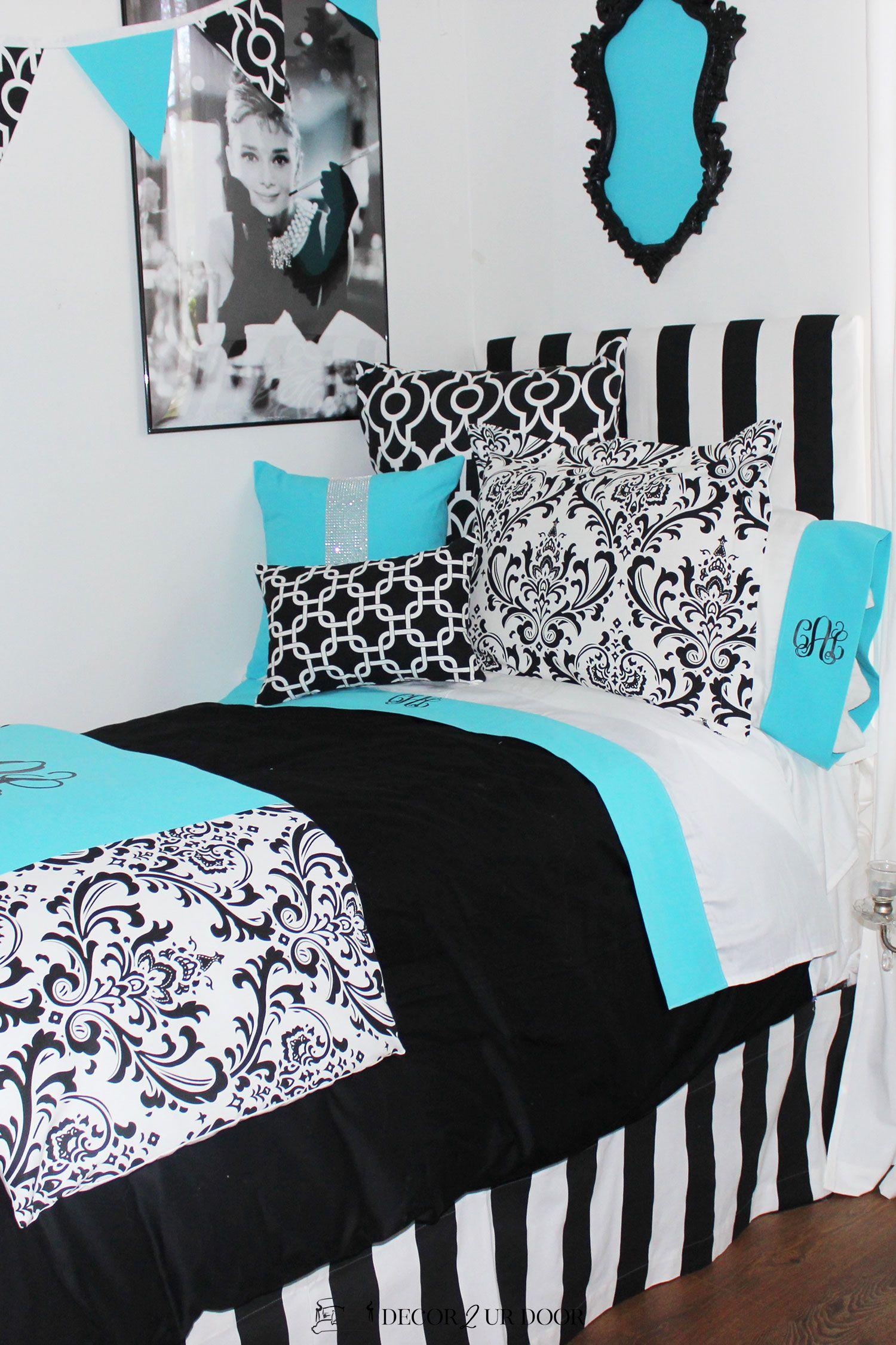 D2D Designs: Tiffany Blue Dorm Room Ideas & Inspiration #purpledormrooms