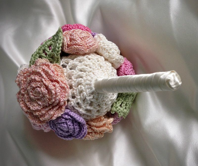 Crochet Wedding Gifts Patterns: Custom Stylish Crochet Wedding Bouquet Ideas (5)