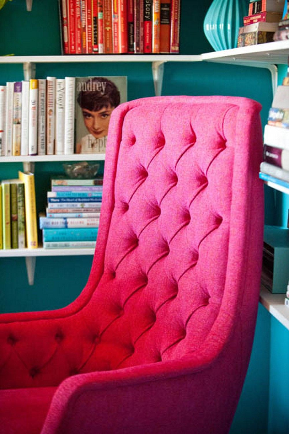 pink vanity chair with wheels