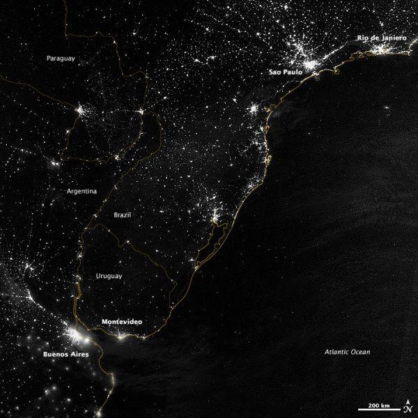 Suomi NPP: la terra di notte vista dallo spazio - Focus.it