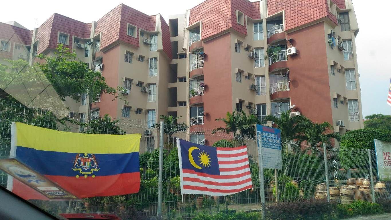For Sale: Teratai Mewah Condominium, Setapak Location: Setapak, Kuala Lumpur Type: Condo/Serviced Residence Price: RM435000 Size: 900 sqft  Lee 0123047699