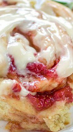Strawberry Cinnamon Rolls - Sprinkle Some Sugar