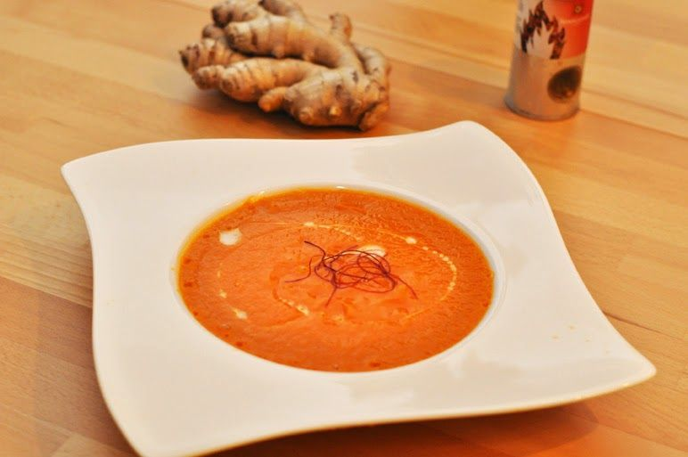 Scharfe Paprika-Fenchel-Suppe