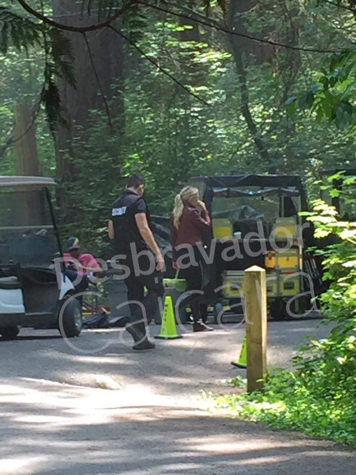 "Once Upon A Time on Twitter: ""Colin & Jen on set today  https://t.co/jOCF9uRPaU #CaptainSwan #OUATfilming @colinodonoghue1 @jenmorrisonlive https://t.co/G6ObpvIpl5"""