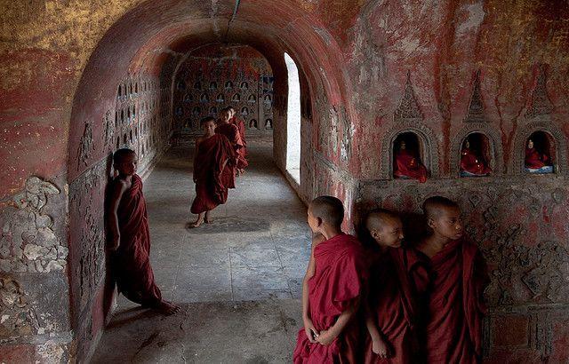 0193 Novices in a pagoda--Inle Lake region ,Myanmar