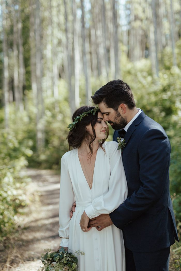 This Chic Frontier Farwest Fishing Lodge Wedding is Anything But Rustic -   9 wedding Forest honeymoons ideas