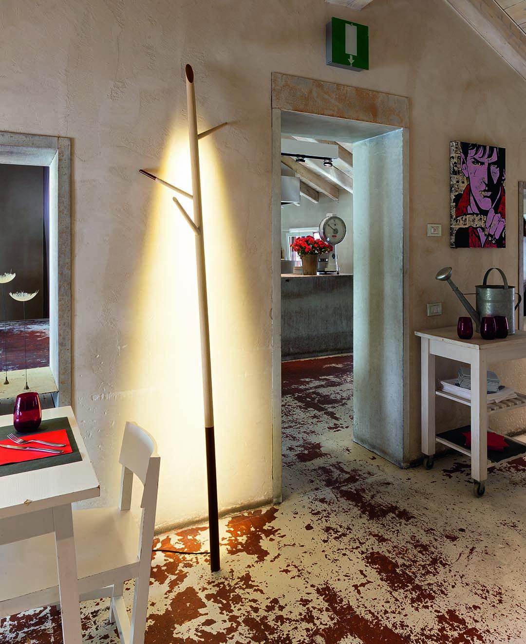 Wildlight design by Oriano Favaretto | Floor lamp in oak with cable in fabric | #light4 #design #lamp