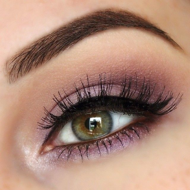 Best eyeshadow for hazel eyes and gray hair