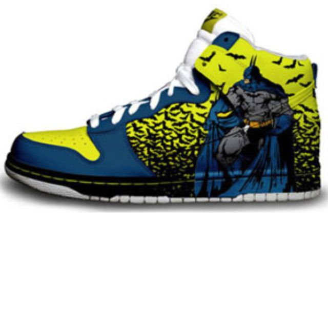 More Batman Nike Dunks.