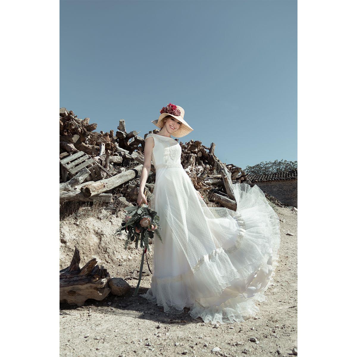novias con pamela. vestidos de novia diferentes | Colección Vestidos ...