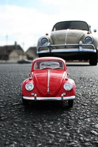 Close Up Toy Car Iphone Wallpaper Ilikewallpaper Com