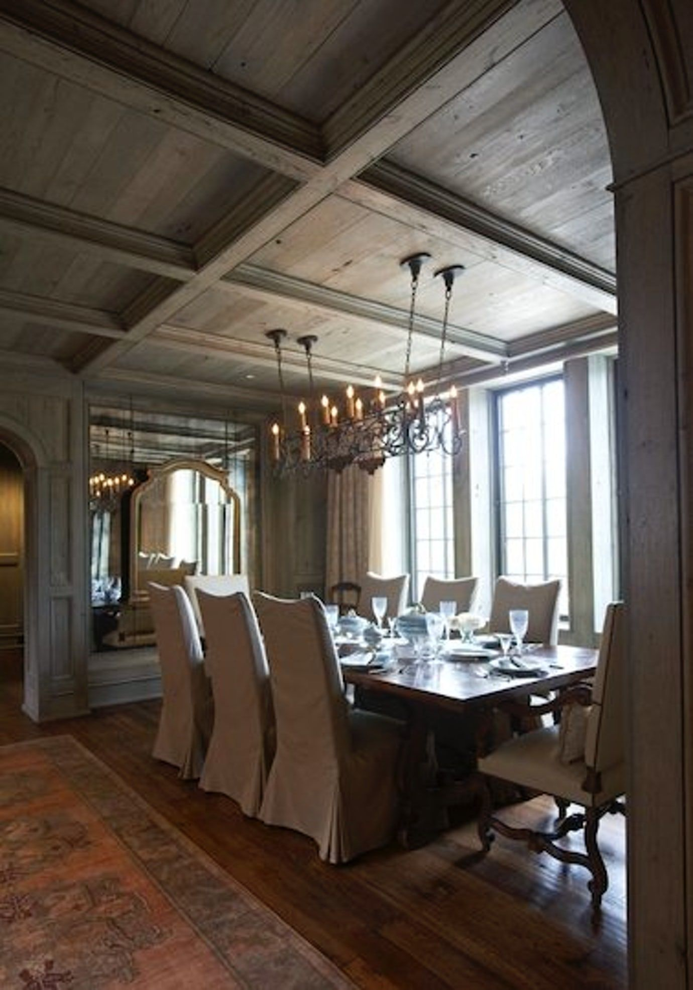 Dining Room With Rustic Wood Ceiling In An Elegant Home By Jeffrey Dungan Mountain Brook Alabama Dining Home Beautiful Dining Rooms Traditional Dining Rooms