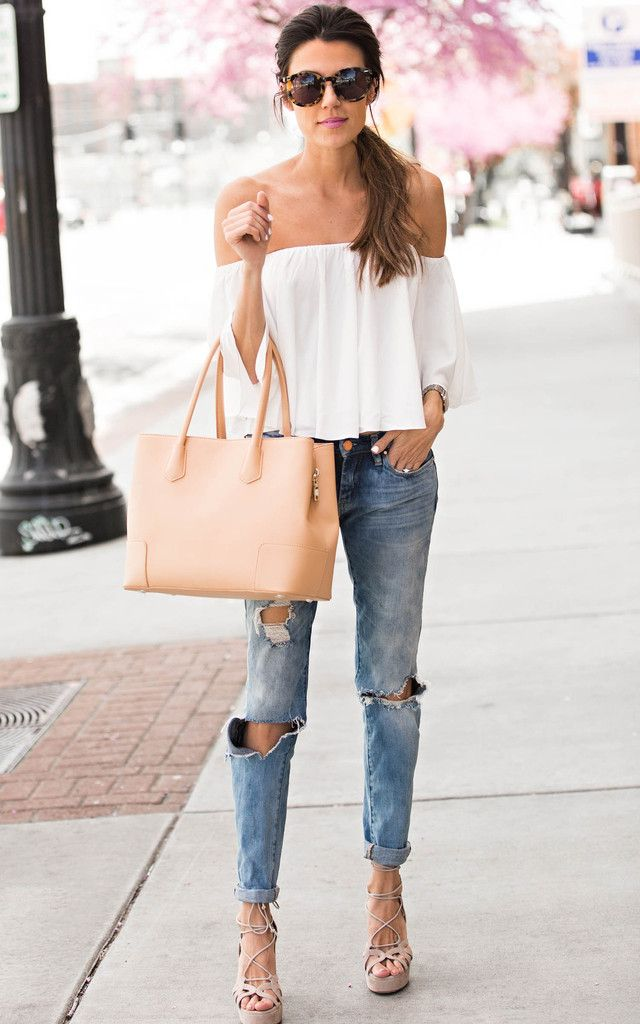 Love everything about this outfit! The ripped jeans, nude ...