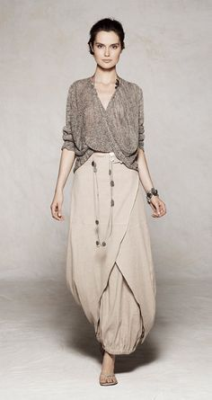 Sarah Pacini. I want to wear this in the desert...next time I go to the middle…