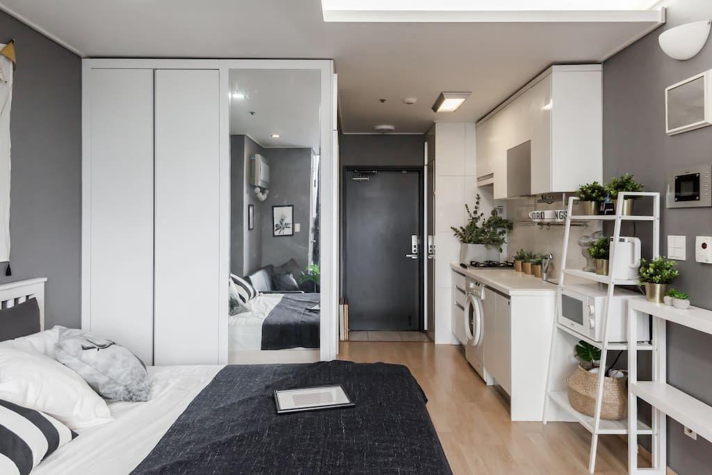Open Sale Nearest Hongdae 30sec From Gongdeok Apartments For