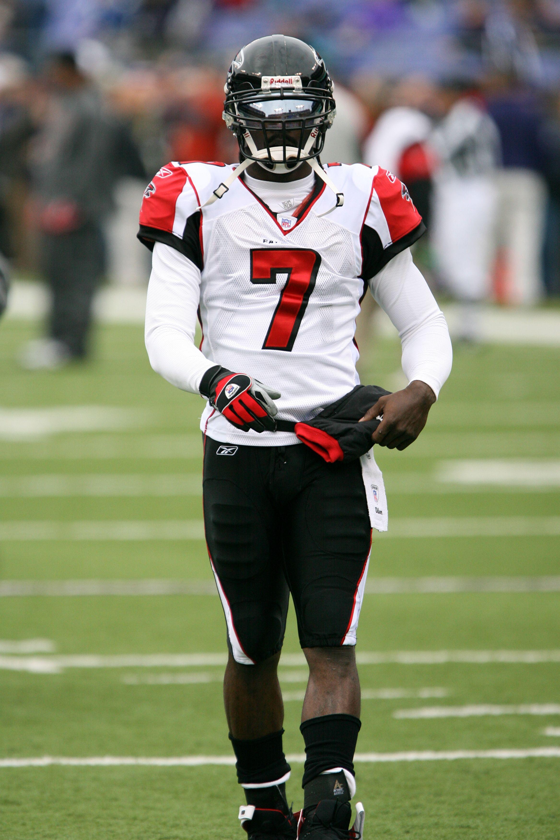 Pin By Bailey Rogers On Udontloveme In 2020 Atlanta Falcons Football Michael Vick Falcons Football