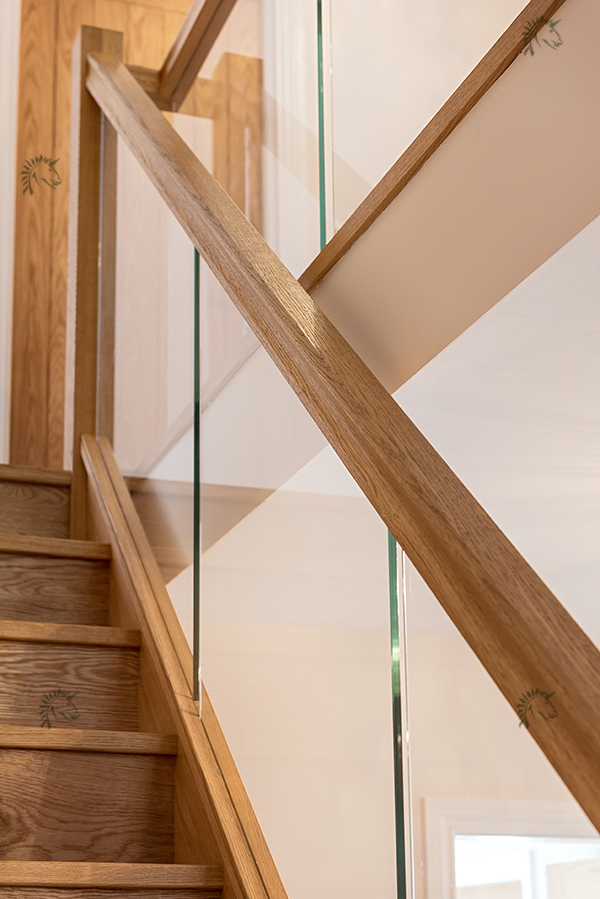 Best Preston Oak Staircase With Recessed Glass Balustrade 640 x 480