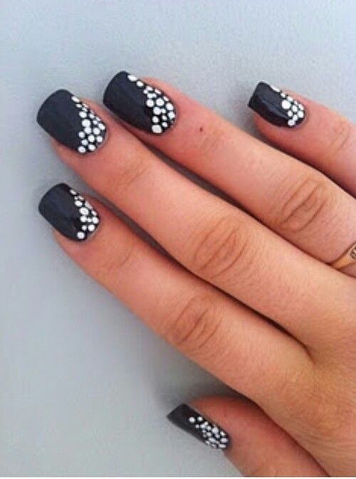 Pin By Beauty In The Bag On The Art Of The Nail Dot Nail Designs Simple Nails Simple Nail Art Designs