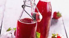 Rezept: Selbstgemachter Erdbeersirup