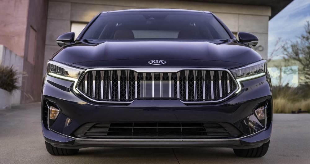 كيا كادينزا 2020 الجديدة كليا سيارة السيدان الكورية الأنيقة والفاخرة تتجد بشكل شبه كامل موقع ويلز In 2020 Kia Sports Car Automobile