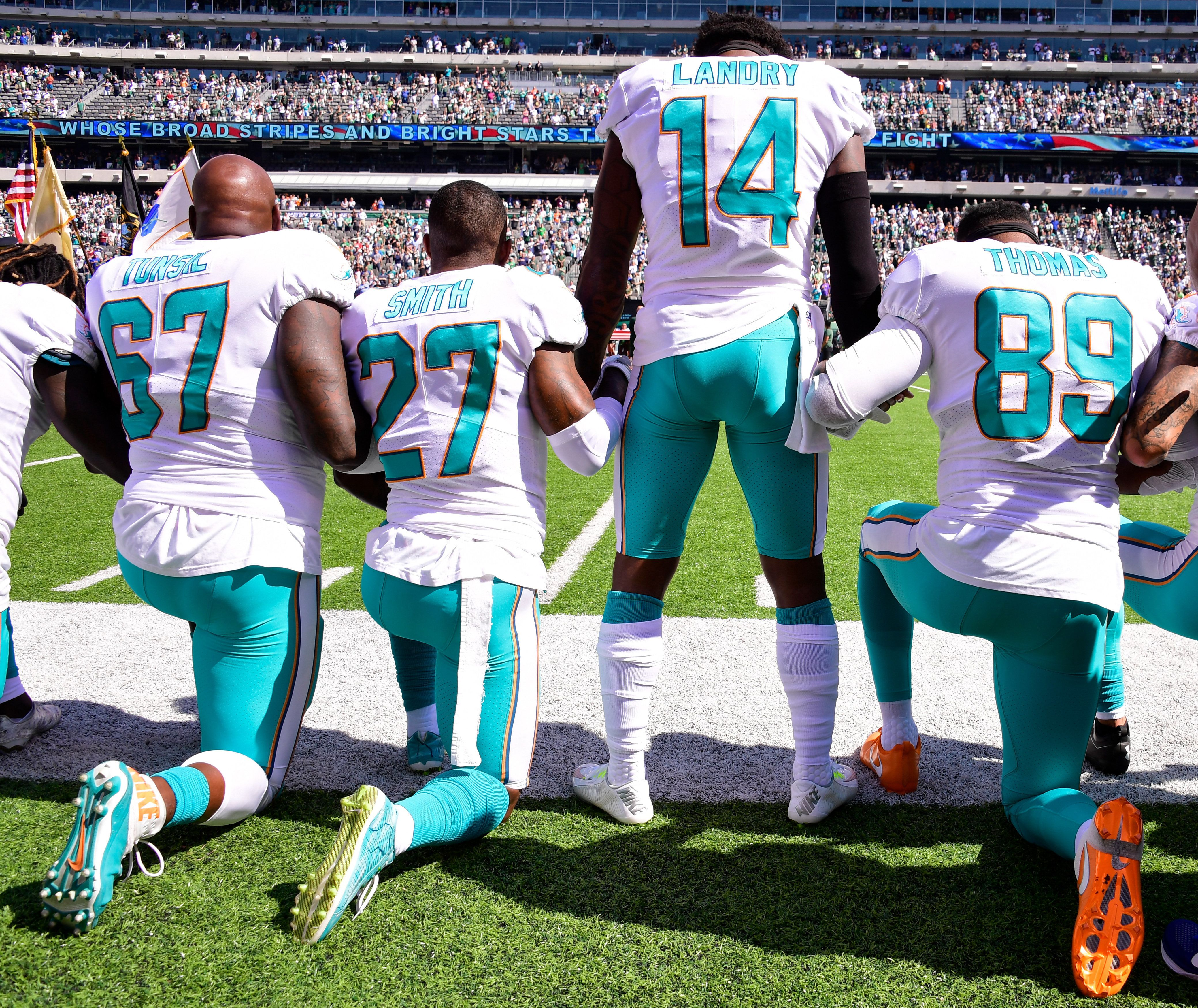 Miami Dolphins May Fine Or Suspend Players Who Kneel For Anthem Anthem Protest Nfl National Anthem