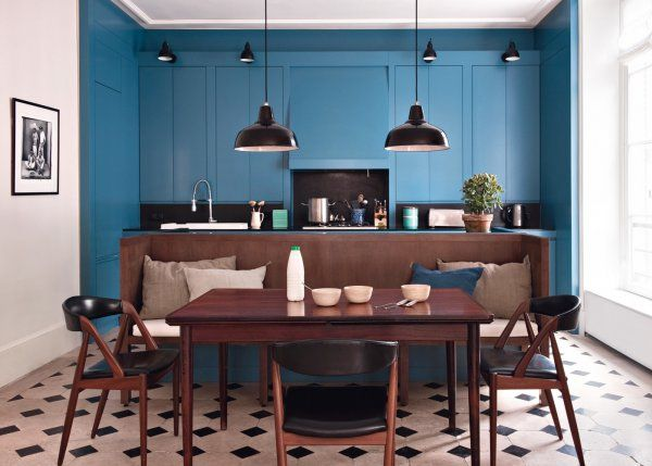 une cuisine ouverte sur la salle manger pi ces de. Black Bedroom Furniture Sets. Home Design Ideas