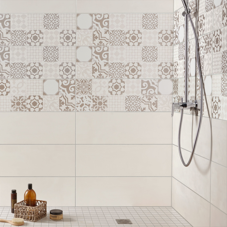 Faience Mur Mix Blanc Gris Decor Tadelak L  X L  Cm Leroymerlin Carrelage Carreaudeciment Salledebain Salledebains Bathroom Ideedeco Madecoamoi