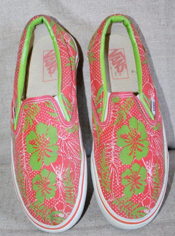 a760cea09366f6 Vintage 80 s Vans Slip Ons Tropical Hawaiian Print - Oh yes. I did. In  brown.