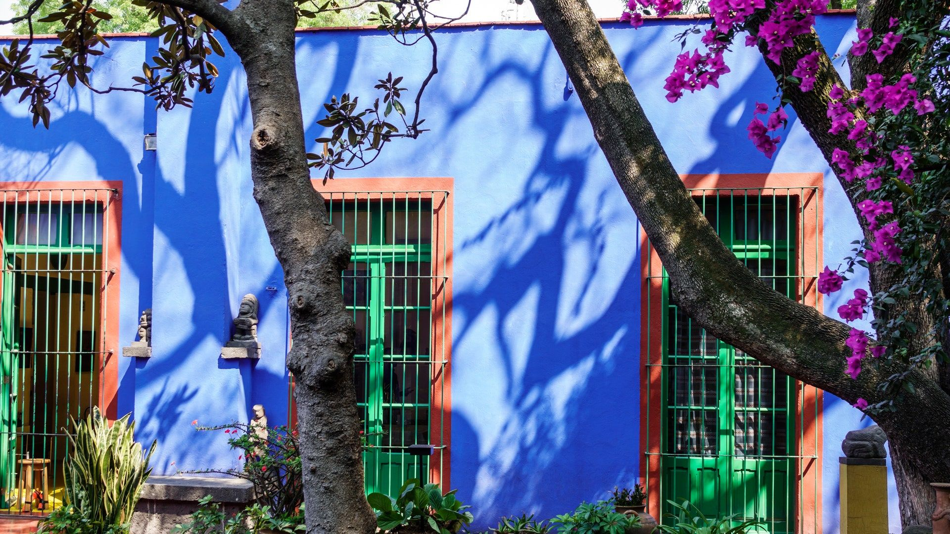 Take A Virtual Tour Of La Casa Azul The Frida Kahlo Museum In