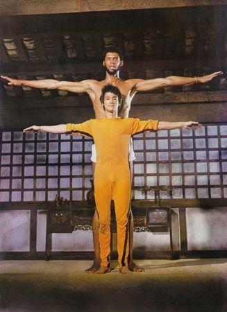 ClassicPics @History_Pics  ·   Bruce Lee training Kareem Abdul Jabbar (1970s).